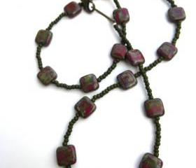 Green and red Czech glass seed beaded necklace jewelry bohemian green