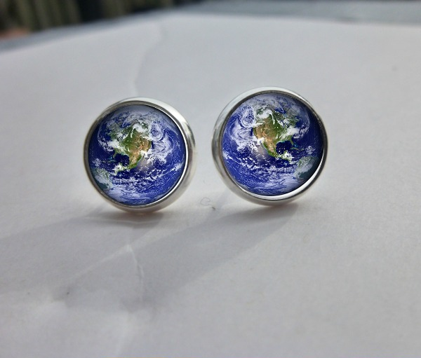 Full earth earring studs. Tiny ear posts. Space jewelry. Orbit. Astronomy. 12 mm post back earrings. silver, glass earrings.